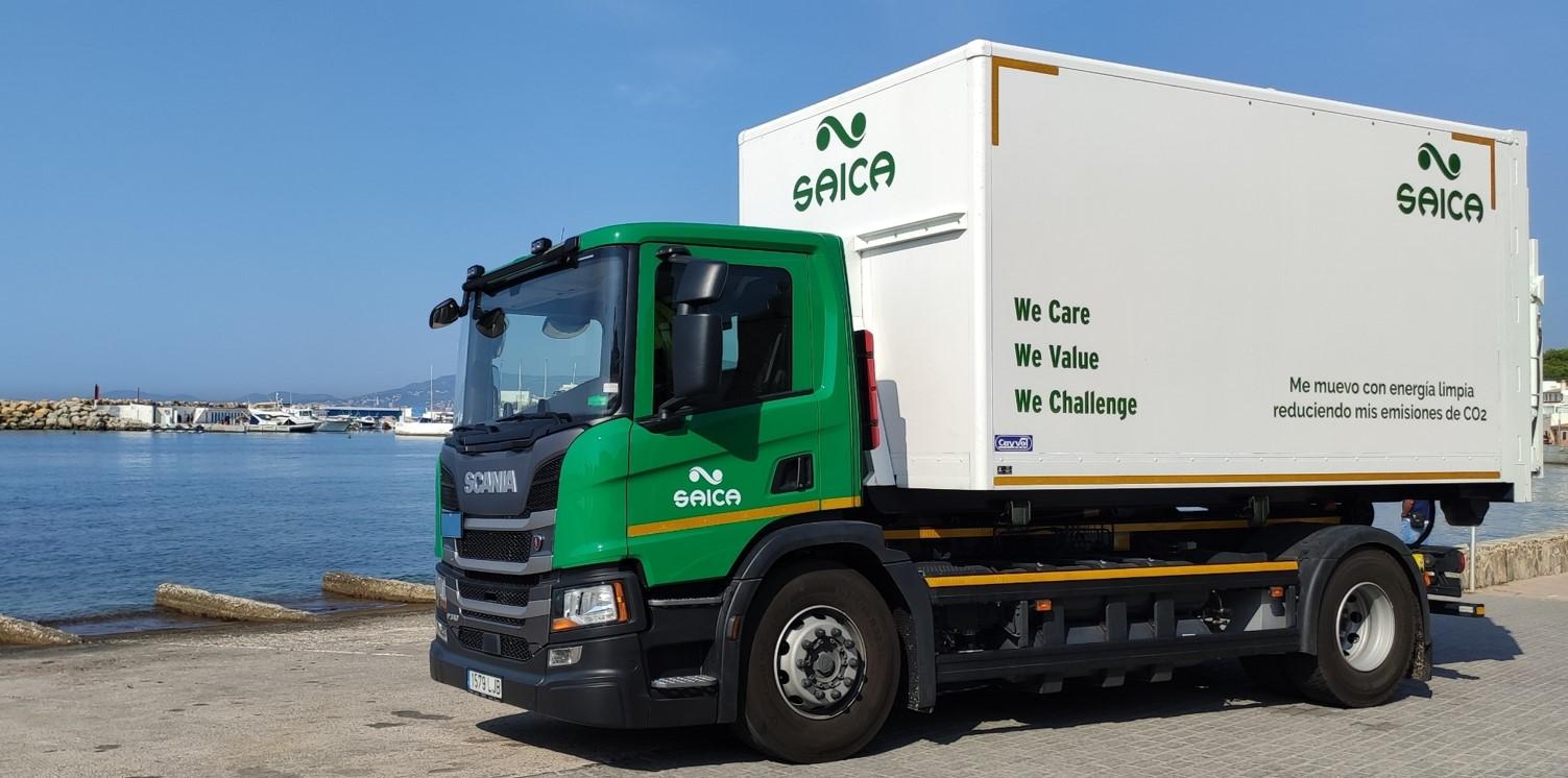 El nuevo camión propulsado por GNL de Saica Natur