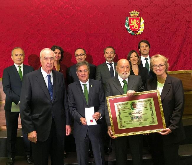 entrega de medalla de oro de Aragón